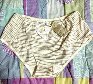 🚚 女LL華歌爾95%棉內褲全新品:VS3193A208、原價380元,現半價出清