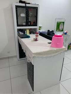 Display cabniat whit  counter