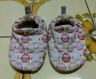 🚚 Poconido英國手工嬰兒鞋 粉紅貓頭鷹 18-24m 13.5cm以下