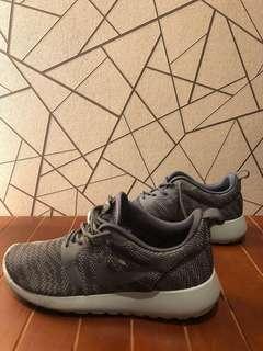 🚚 NIKE 女性球鞋