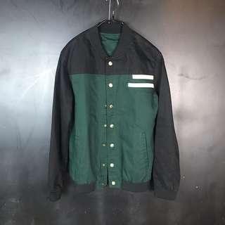 🚚 新品復古深綠拼黑棒球外套