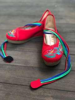 Traditional Chinese Wedding Wedges