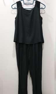 🚚 Iora black jumpsuit in great condition