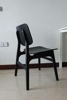 🚚 4 Wooden dining chairs black