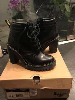 🚚 Dr Martens Boots with heel