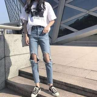 🚚 BN ulzzang light denim ripped jeans