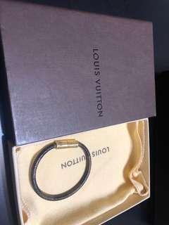lv damier bracelet size s