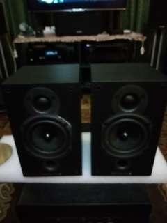 Wharfedale Diamond 9.0 stereo speaker