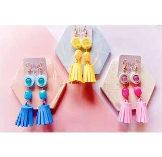 Anting tassel geometri
