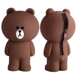 🚚 【溫馨貓小舖】 LINE FRIENDS 熊大立體 造型 筆袋 鉛筆盒 收納袋 收納包 化妝包 (附盒子)