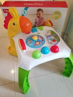 95% new Fisher-Price學習枱 BB枱 玩具枱 learning table