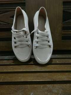 sepatu balance