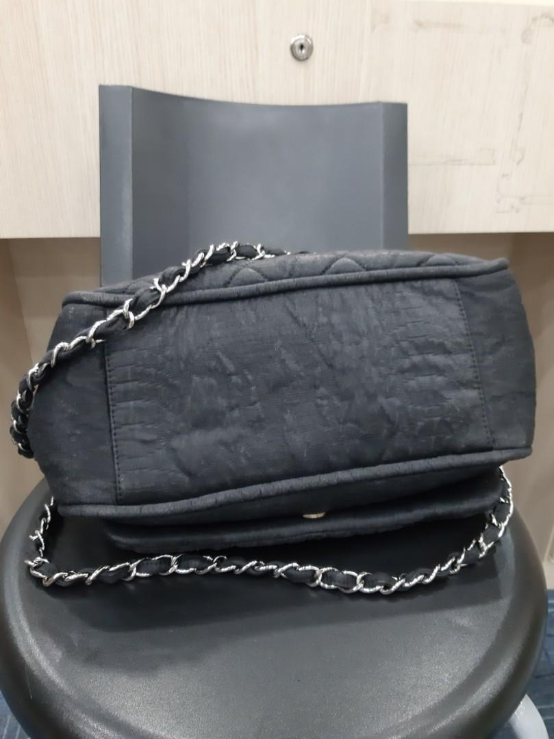 AUTHENTIC CHANEL FLAP BAG - CC LOGO , QUILTED DESIGN - CANVAS MATERIAL - (BOUGHT AROUND RM 10,000+) - RM 2200 ONLY