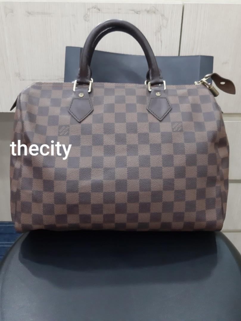 AUTHENTIC LOUIS VUITTON SPEEDY 30 - DAMIER CANVAS - CLASSIC SPEEDY ,SO ORIGINALLY WITHOUT STRAP - (NOW RETAILS AROUND RM 4200+) - RM 2200 ONLY