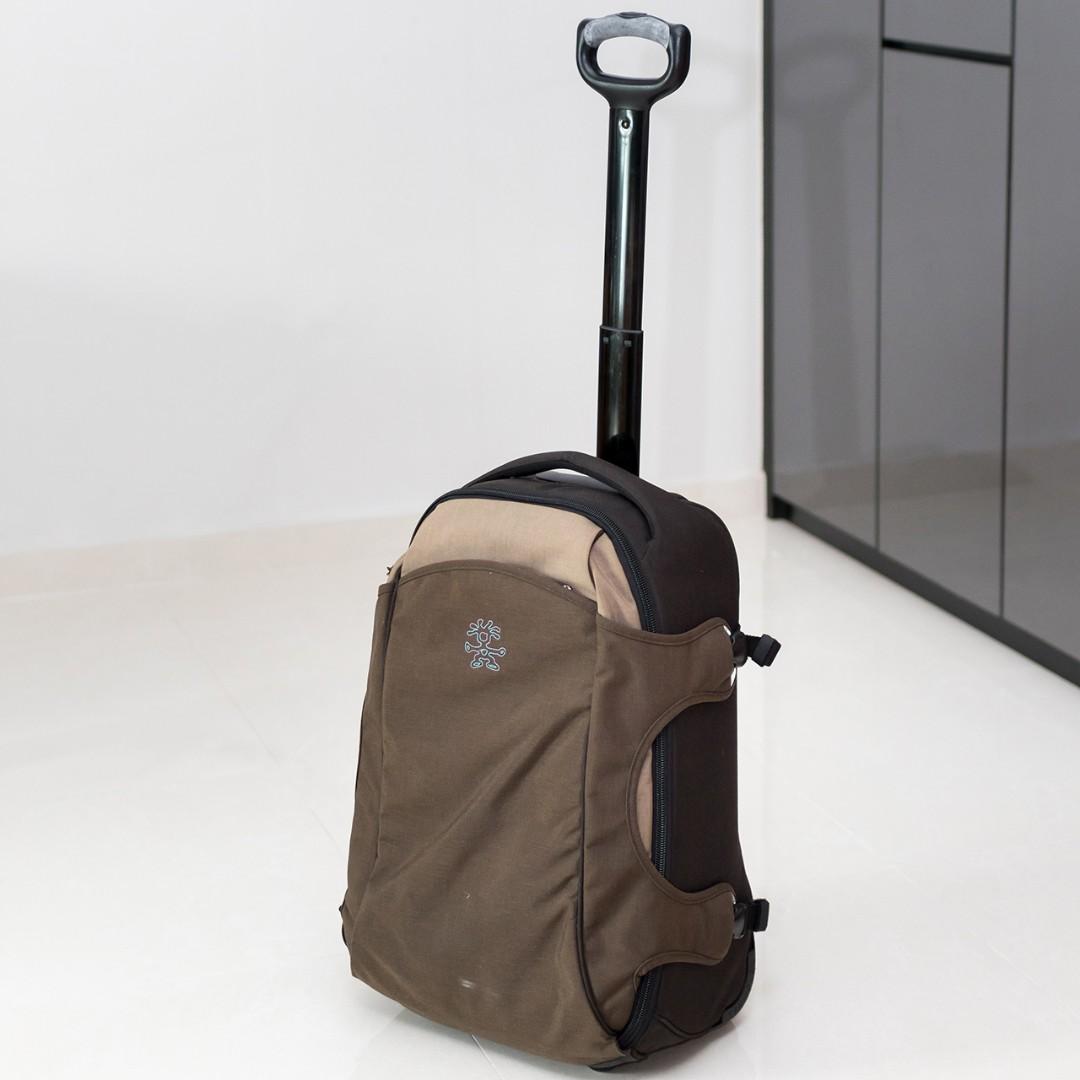 director Nos vemos mañana Extremadamente importante  Crumpler Photo Bag + Rolling Case (2-in-1), Photography, Camera  Accessories, Camera Bags on Carousell