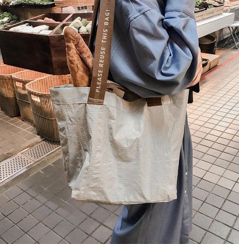Mercci22 奶茶色品牌購物袋