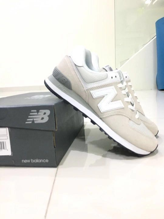 75bb662b77be7 New Balance 574 size 39, Women's Fashion, Shoes, Sneakers on Carousell