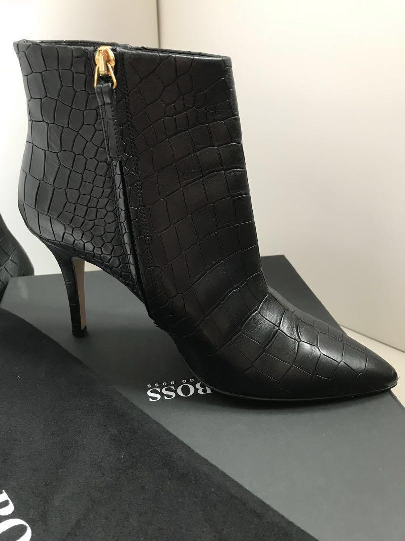 Reduced! Brand new Hugo Boss black genuine leather boots