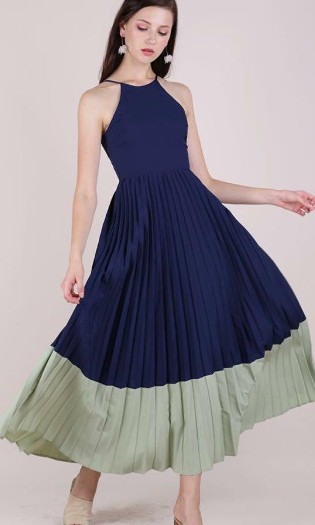 b5cbc15c51 TTR Abe Colourblock Maxi Dress in Navy/Sage, Women's Fashion ...