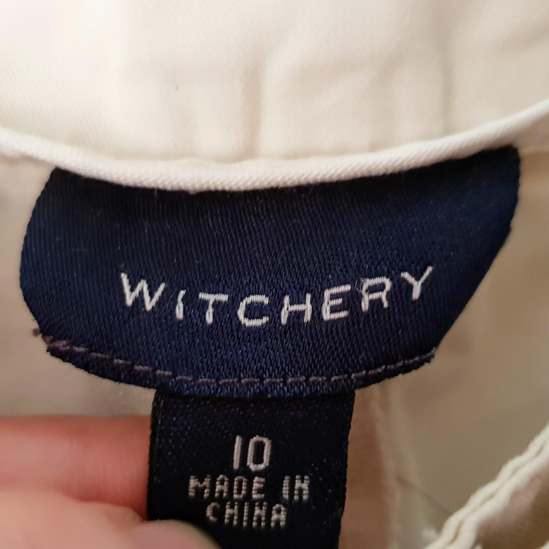 Women's size 10 'WITCHERY' Gorgeous off white beige casual shorts - AS NEW