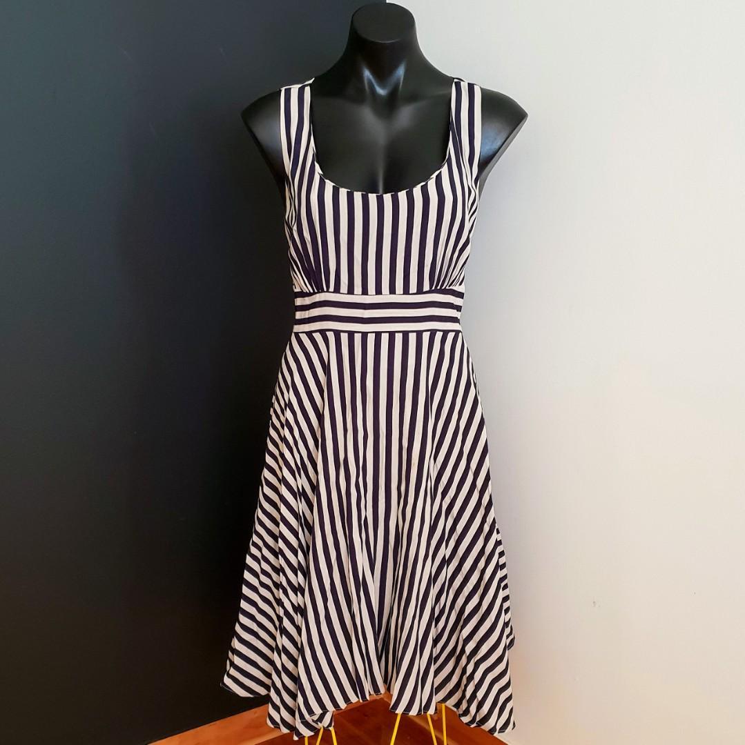 Women's size 12 'PORTMANS' Stunning black and beige peek a boo back dress-AS NEW