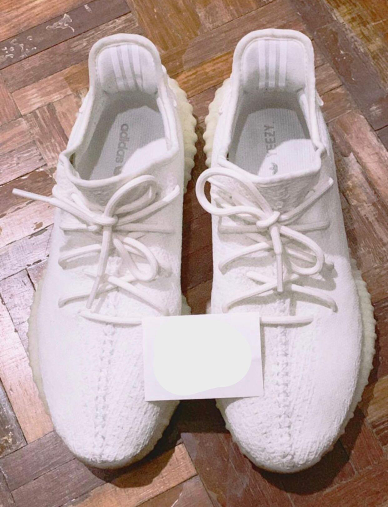 e501c7389 YEEZY 350 V2 CREAMPIE, Men's Fashion, Footwear, Sneakers on Carousell