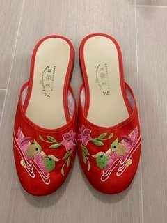 靚靚繍花拖鞋 size 38-39