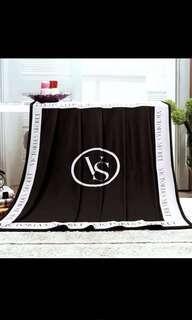 🚚 Victoria secret blanket
