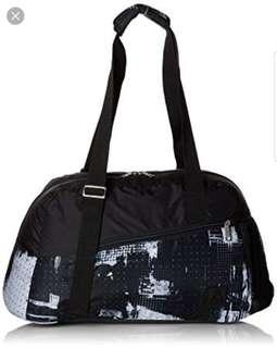 15aec89729d3fa Authentic Reebok Duffle Bag