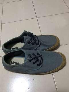 95e0ac875a9cb0 In stock) Men shoes Van s old skool.size 44 .44