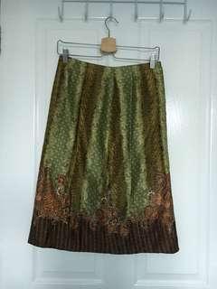 Batik green midi skirt