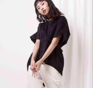 Atasan blouse hitam