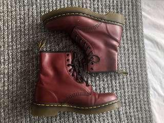 Dr Martens - Cherry Red, Smooth US 8