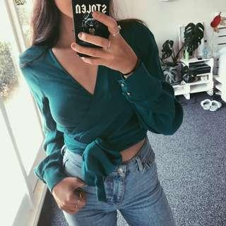 Country road wrap top