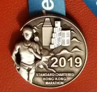 2019渣打馬拉松 渣馬 紀念品 半碼完成 紀念獎牌獎章及電芯