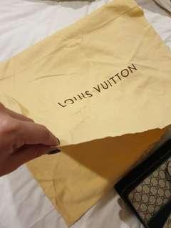 🚚 Louis Vuitton Dust Bag