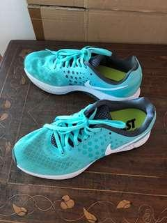 Nike Women's Trainers US size 7.5
