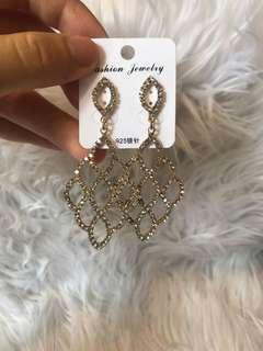 Glitter earring