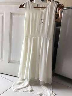 Dress Putih hi-lo