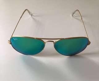 Classic Rayban Sunglasses with Green Flash Polarized Reflective Lenses