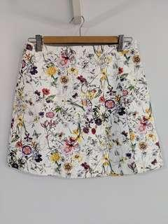 Something Borrowed faux leather white floral mini skirt