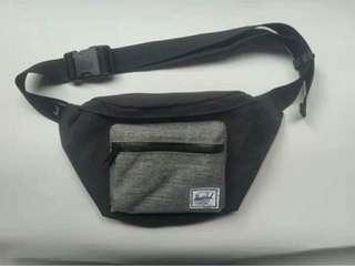 (Only 1 piece) Herschel Seventeen sling / waist / hip / fanny pak pouch