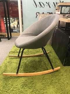 🈹Designer Chair 灰麻布實木搖椅