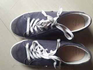 Sepatu pull & bear original