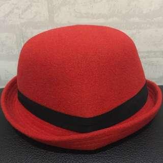 Bowler Hat (Merah)