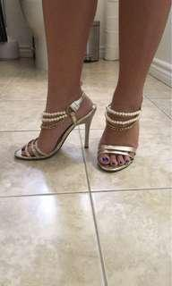 Pearl gold heels size 6