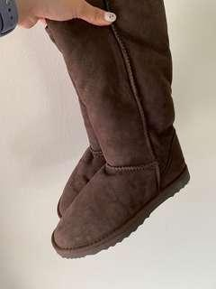 🚚 UGG Winter Boots