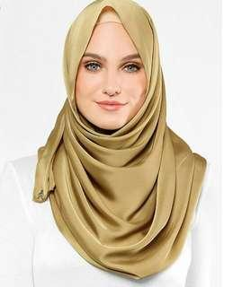 Duck silk shawl caramel