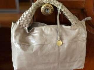 Rabeanco Leather Handbag