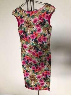 Zara floral dress Size s